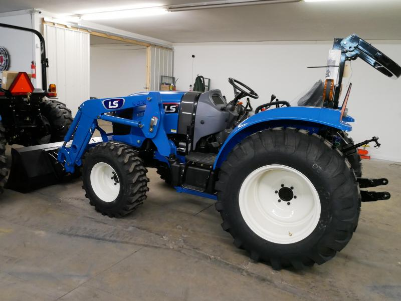 2018 LS Tractor XR4140H Tractor