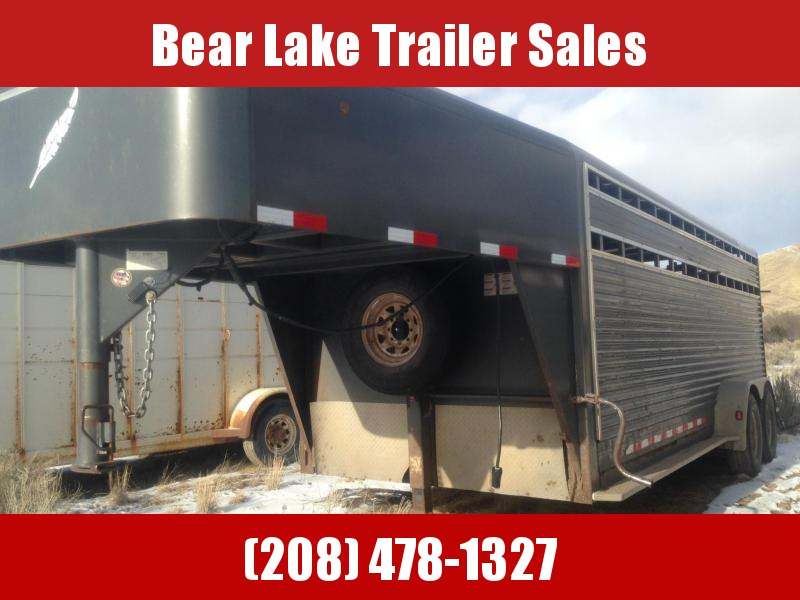 2006 Featherlite Steel Livestock Trailer
