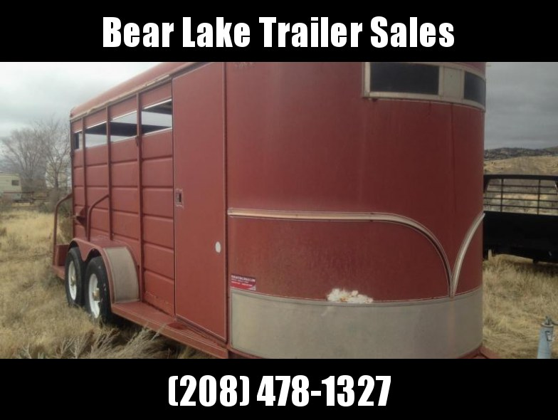 1992 S and H Trailers 3 Horse Slant