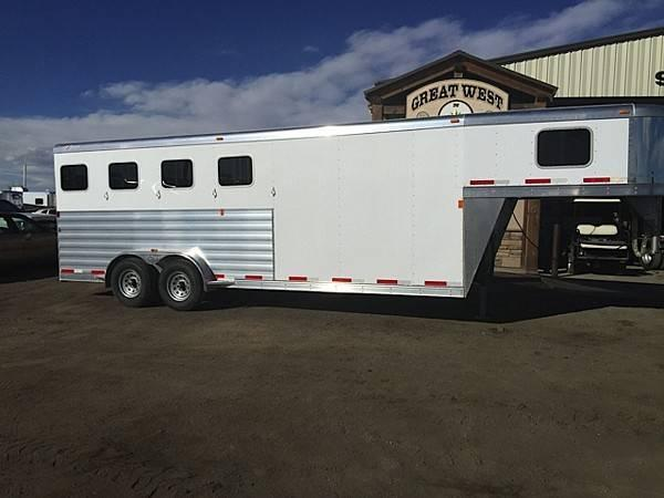 2016 Exiss 7400 with front dressing room/tack 4 Horse Slant Load Gooseneck Horse Trailer