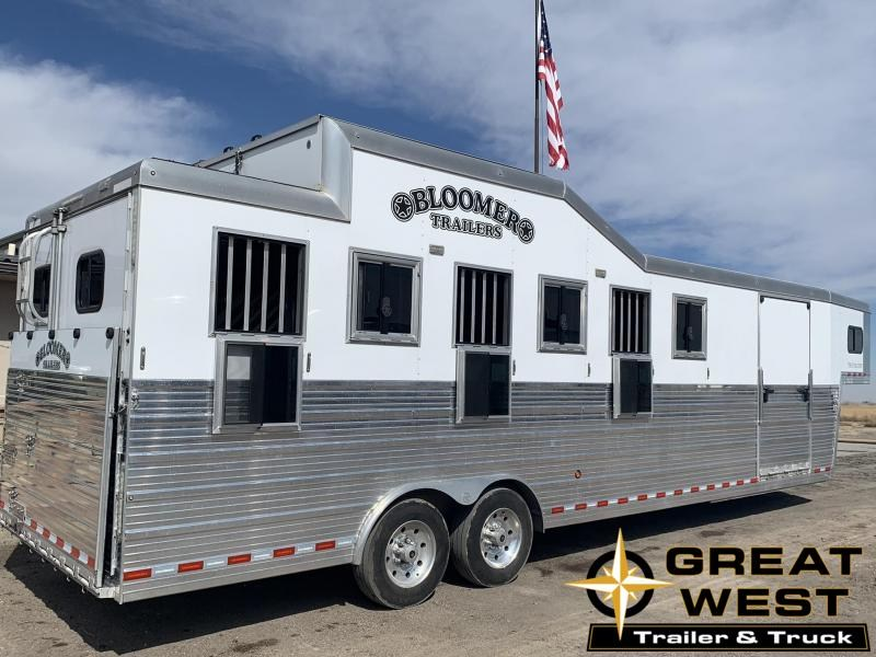 2017 Bloomer 6 Horse Trainer Horse Trailer