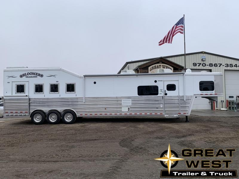 2019 Bloomer Trailer Manufacturing 4 Horse 17.9