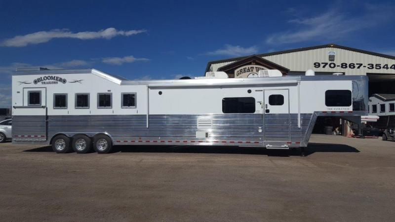2017 Bloomer Trailer Manufacturing 5 Horse Trailer with Outlaw Interior