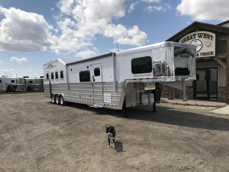 2018 Bloomer Trailer Manufacturing 15 SW 4 horse slide out Side load Horse Trailer