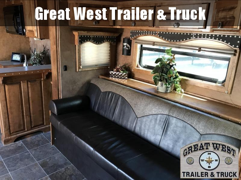 2008 Bloomer Trailer Manufacturing 4 Horse Trailer