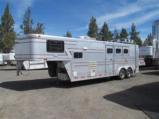 1995 Sundowner 3 Horse Living Quarter Horse Trailer