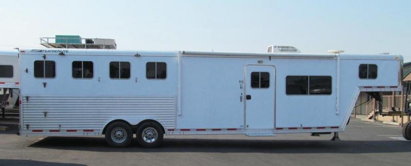 2005 Featherlite Horse Trailer Living Quarter