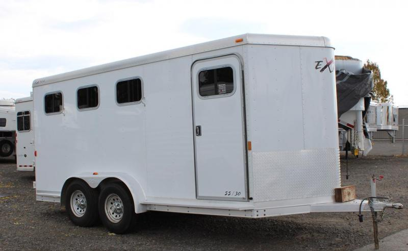 2007 Exiss Trailers Horse Trailer