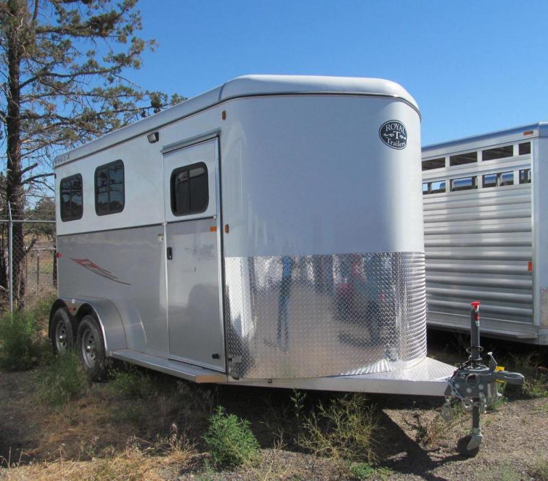 2017 Royal T Trailers Imperial X - Warmblood Size Horse Trailer