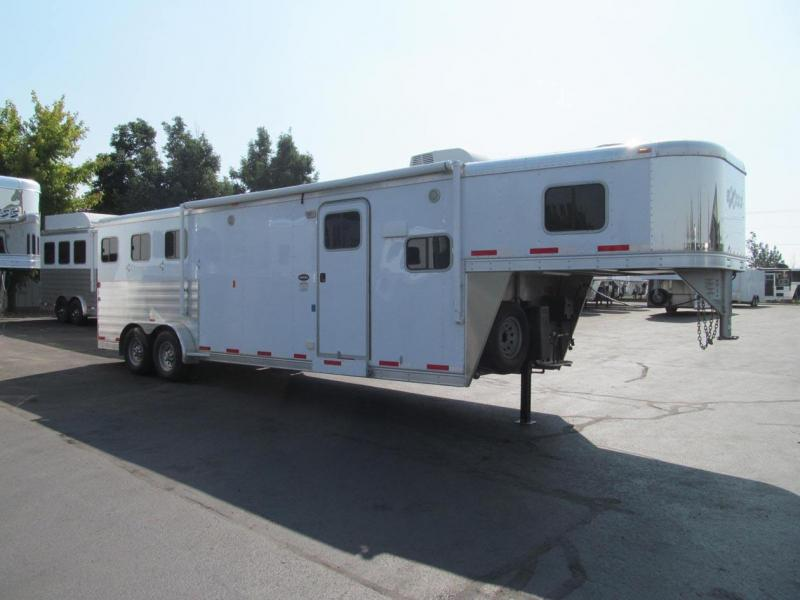 2014 Exiss Trailers Horse Trailer
