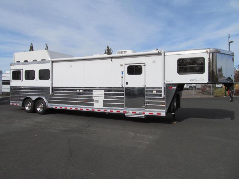 2009 Sundowner Trailers Living Quarter Horse Trailer