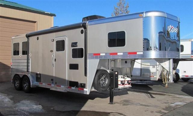 2017 Exiss 7208 2 Horse Escape w/ Sierra Interior