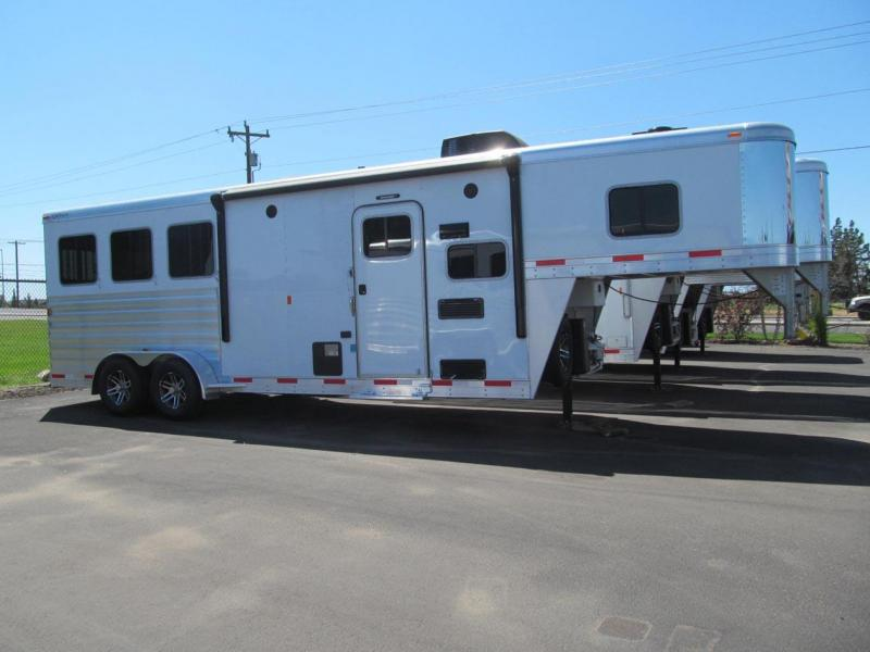 2017 Exiss Trailers 6308 Escape Horse Trailer