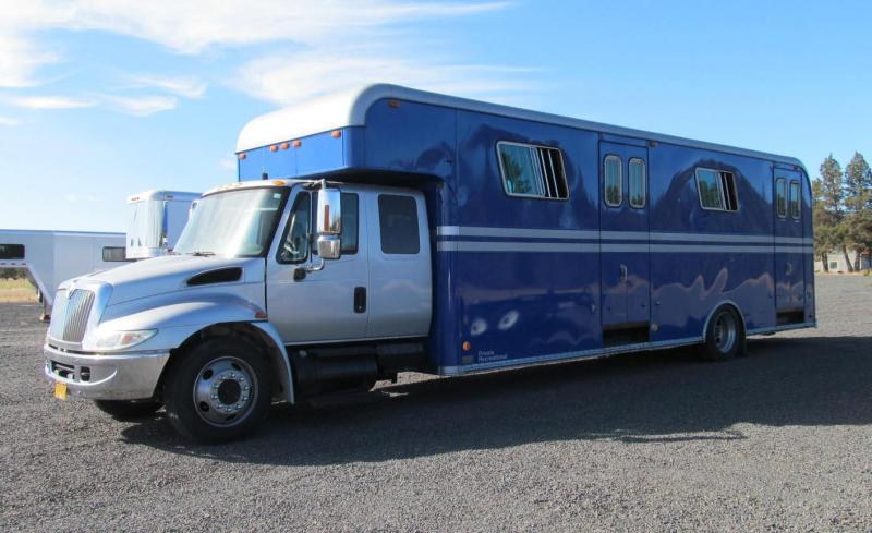 2005 International Horse Van Horse Trailer