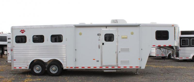 2010 Hart Trailers Outlaw Interior 3 Horse Trailer