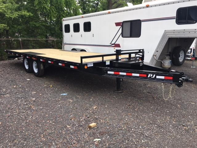 2019 PJ Trailers T8 DO Tilt Flatbed Trailer