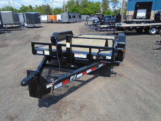 2019 PJ Trailers T6 Tilt Equipment Trailer