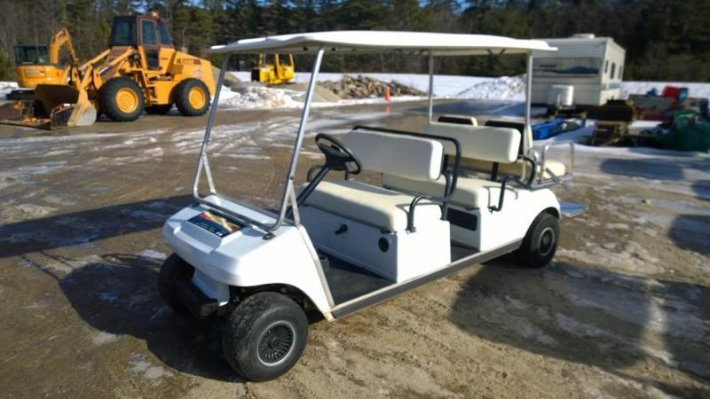WINTER SALE Club Car 6 passenger GAS LIMO golf cart DS Villager