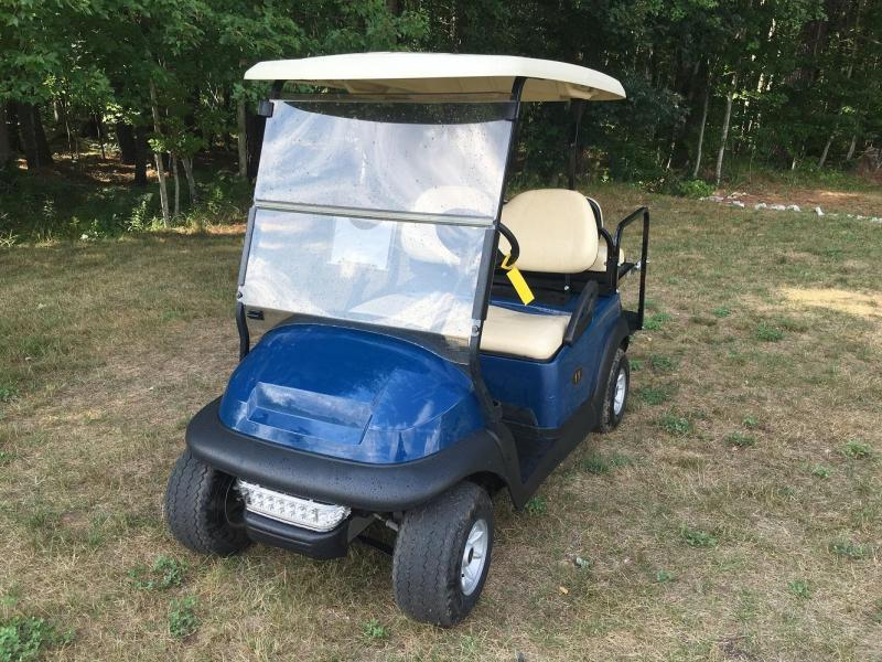 SAVE $500 2014 Club Car Precedent Electric 4 Passenger Golf Cart w/flatbed