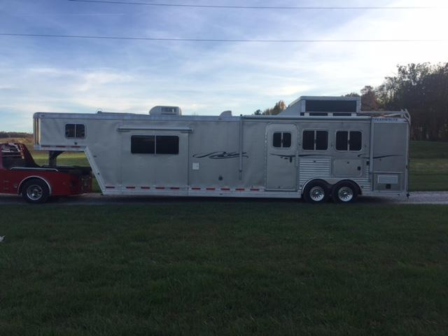 2006 Featherlite Living Quarters Horse Trailer
