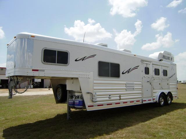 2015 Platinum Coach 3 Horse 10' 4