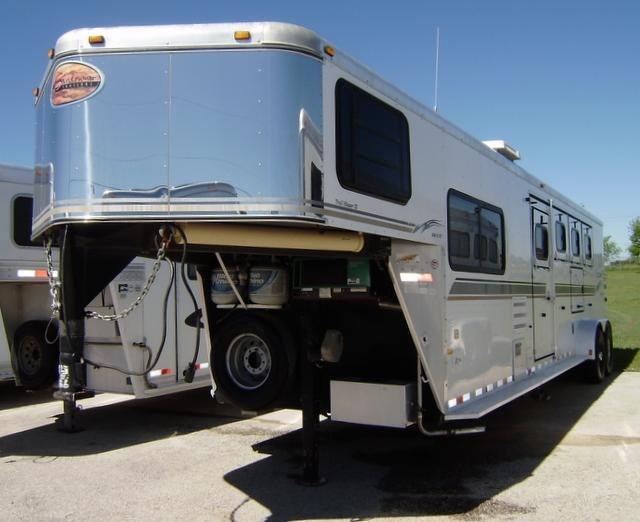 2004 Sundowner Trailers 4 Horse 8 Short Wall Horse Trailer **Generator**