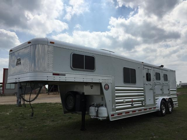 2012 Platinum Coach 3 Horse 7' Short Wall Horse Trailer