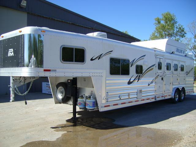 2015 Platinum Coach 4 Horse 12' Short Wall Side Load Horse Trailer