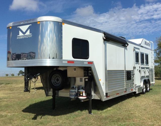 2017 Merhow Trailers 3 Horse 10' 6
