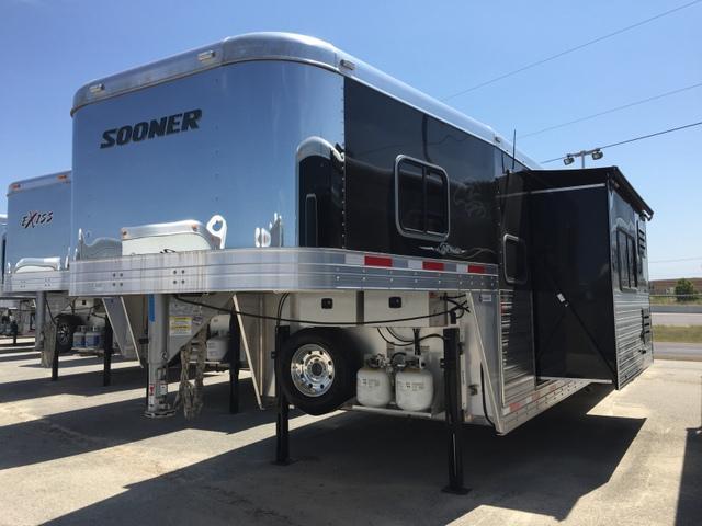 2016 Sooner Premier 8415 Glide LQ Horse Trailer *GENERATOR*