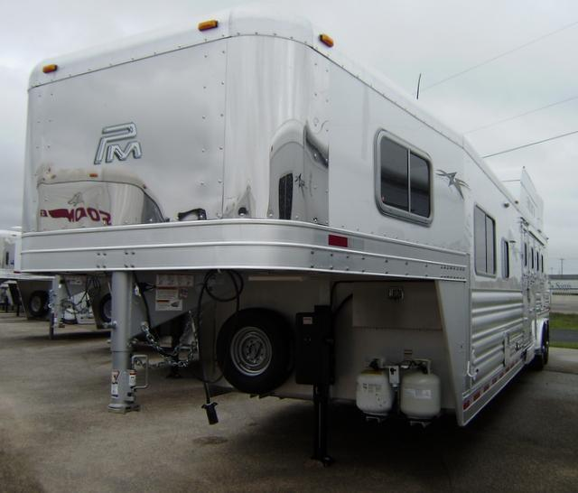 2016 Platinum Coach 4 Horse 13' Short Wall Horse Trailer