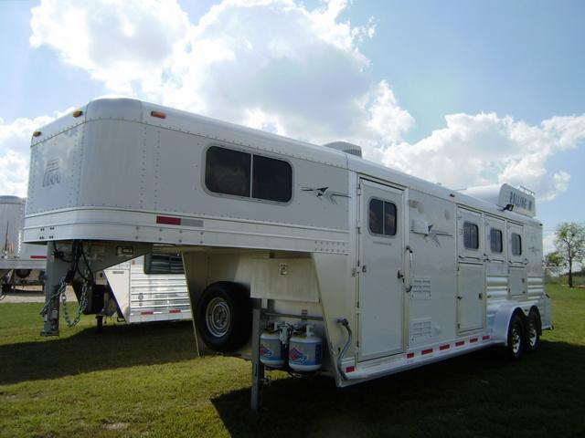 2015 Platinum Coach 3 Horse 8' Short Wall Horse Trailer