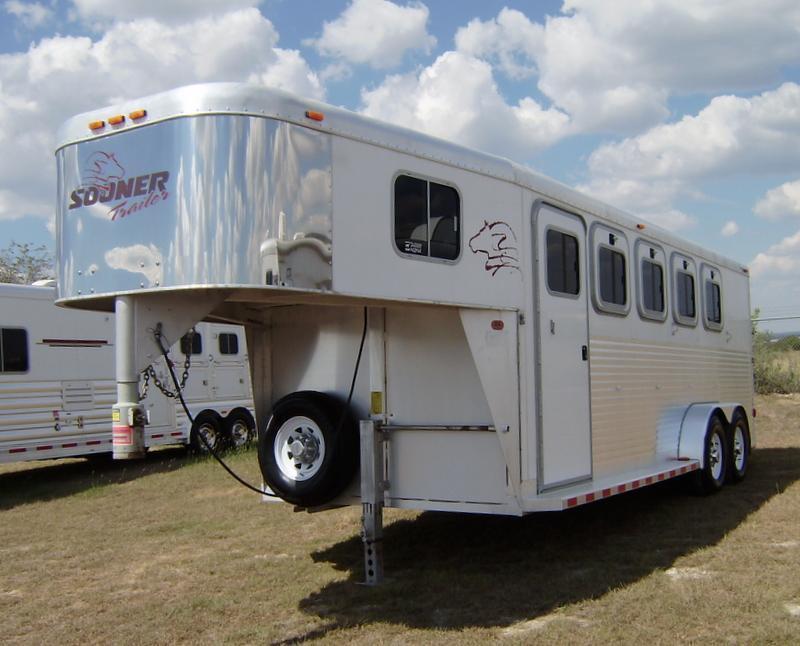 2002 Sooner 4 Horse Gooseneck Horse Trailer