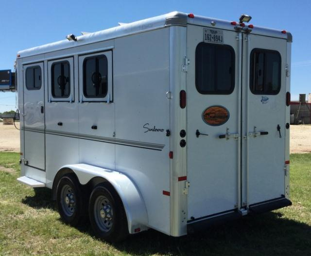 2013 Sundowner Trailers 2 HORSE GOOSENECK WITH DRESSING ROOM Horse Trailer