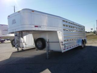 2014 Platinum Coach 20 Stock GN Horse Trailer