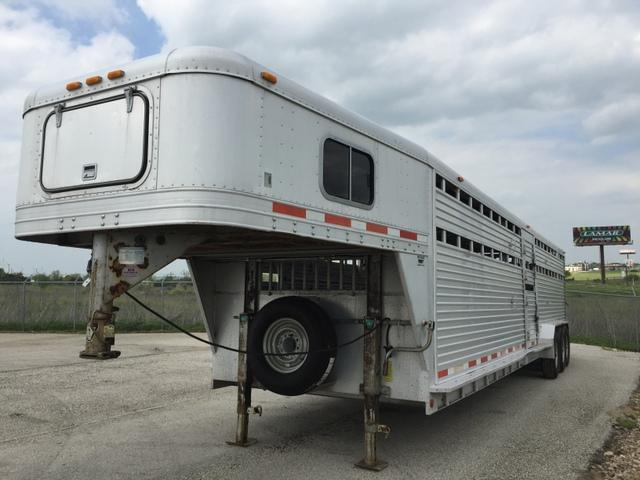 1995 Featherlite Trailers 32' Stock Trailer