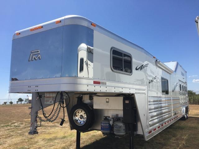 2017 Platinum Coach 4 Horse 15'4