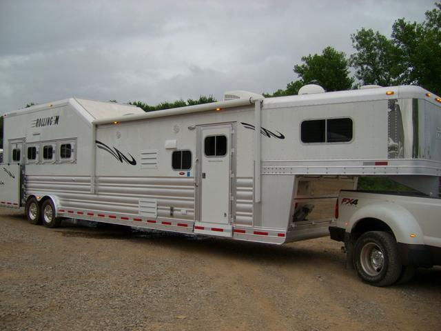 2015 Platinum Coach 4 Horse 15' Short Wall Side Load with Integrated Hay Pod & Slide Out Horse Trailer