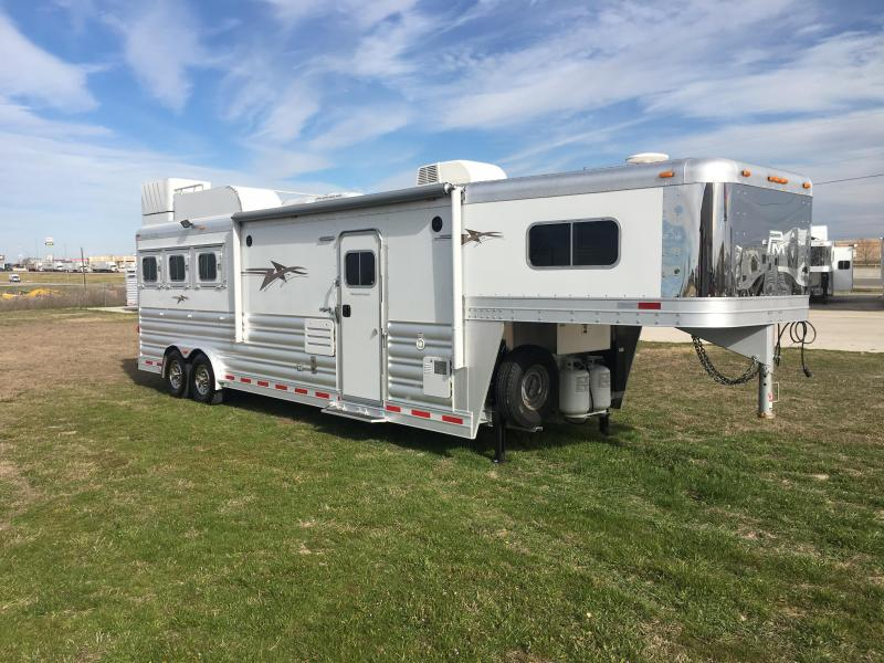 2017 Platinum Coach 3 Horse 11.6 Short wall with Slide Horse Trailer