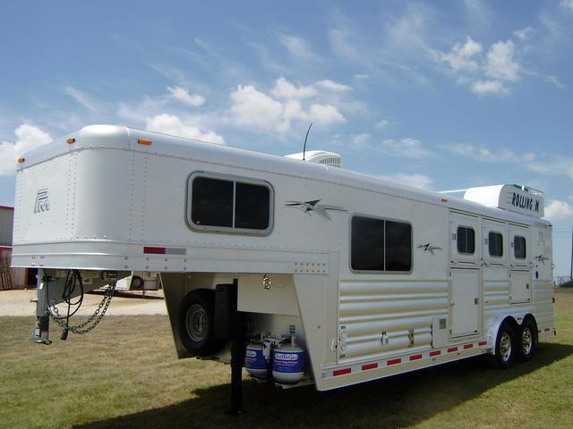 2015 Platinum Coach 3 Horse 8' Short Wall