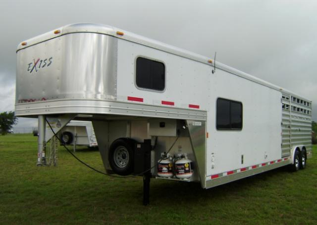2015 Exiss 28' Stock Combo 8' Short Wall 8' WIde Trailer