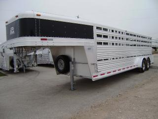 2014 Platinum Coach 24 Stock GN Horse Trailer