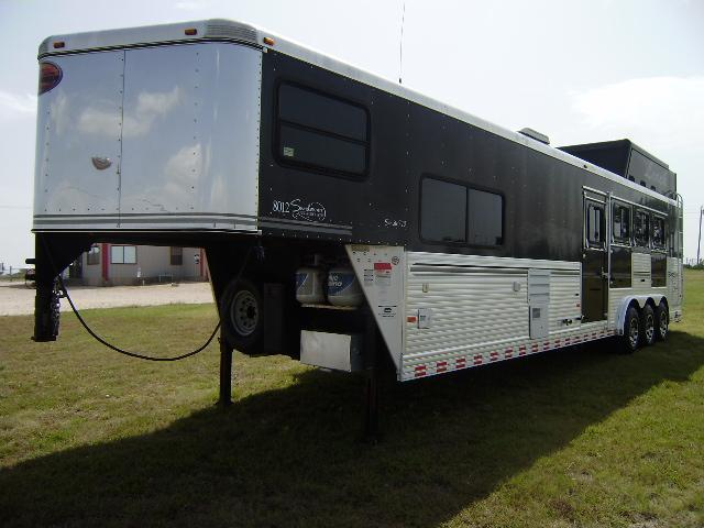 2007 Sundowner 4 Horse 12' Short Wall