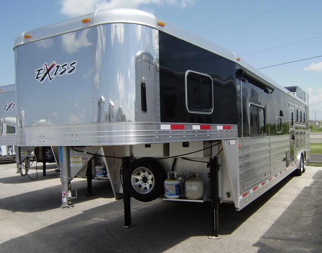 2016 Exiss Endeavor 4 Horse 16' Short Wall with Slide Out Horse Trailer