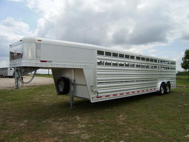 2015 Platinum Coach 28' Stock Trailer Stock Trailer