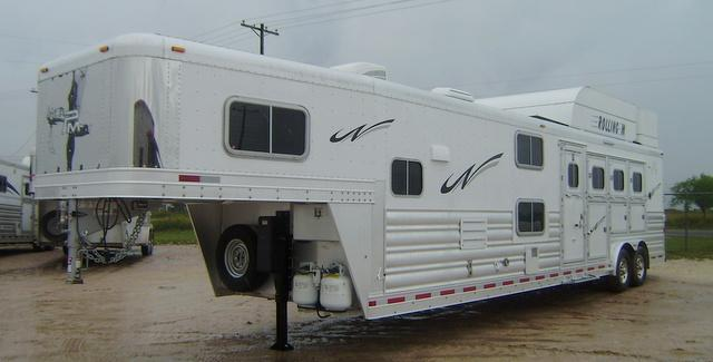 2015 Platinum Coach 4 Horse 14' Short Wall with Bunk Beds Horse Trailer