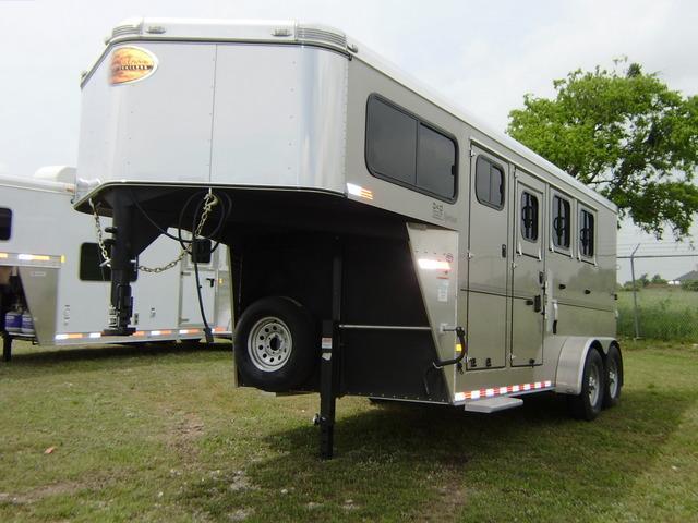 2014 Sundowner Trailers 3 Horse Gooseneck Horse Trailer
