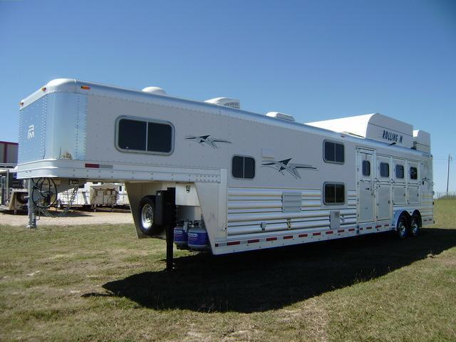 2015 Platinum Coach 4 Horse 14 Short Wall Horse Trailer with Bunks