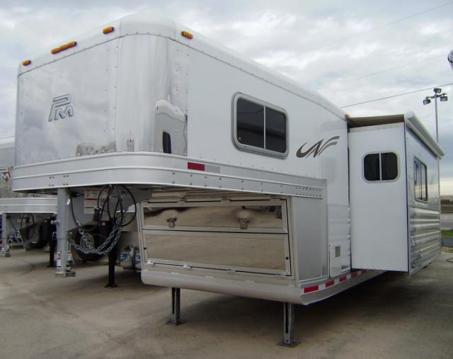 2016 Platinum Coach 4 Horse 15' Short Wall Side Load with Integrated Hay Pod & Slide Out Horse Trailer