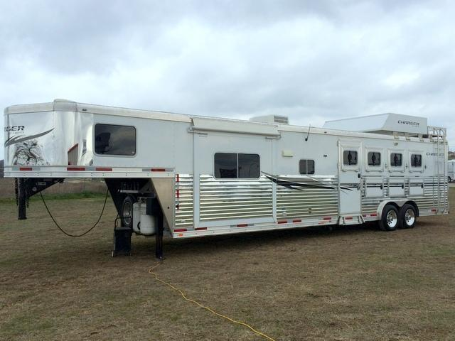 2013 Lakota 4 Horse 15 Short Wall Horse Trailer